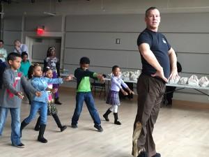 ABT Richard & kids hands on hips